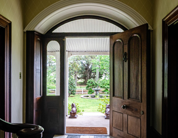 Terragong entrance hall looking to garde