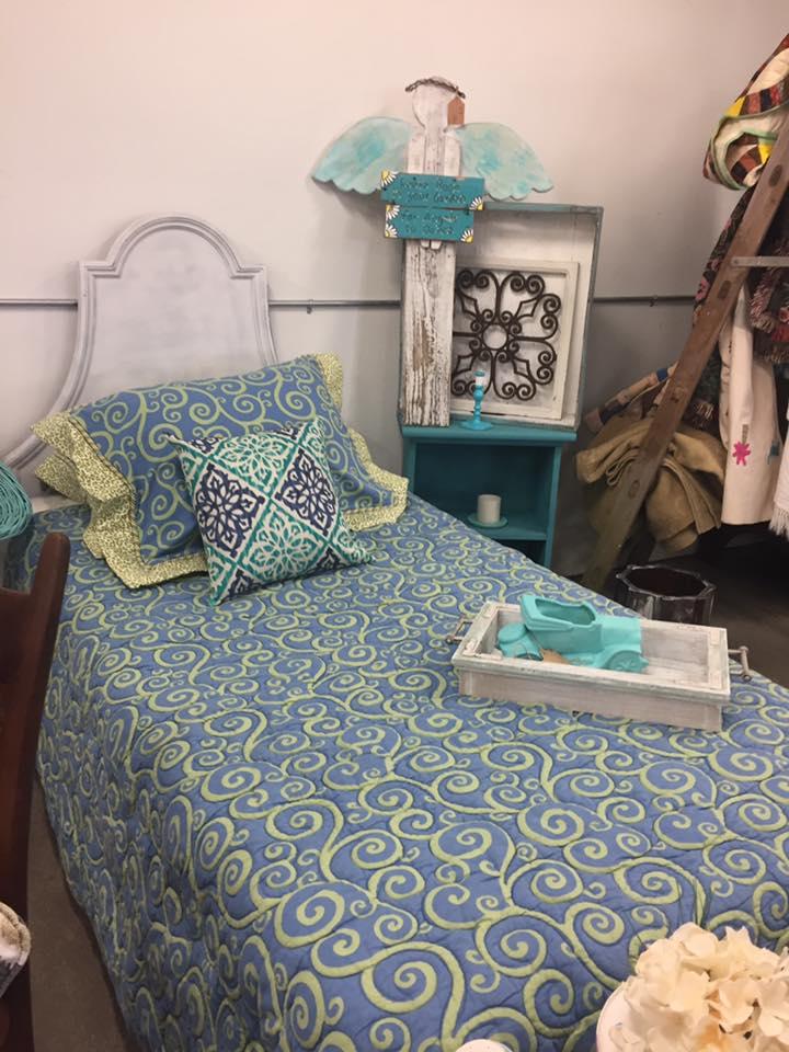 White wash bed