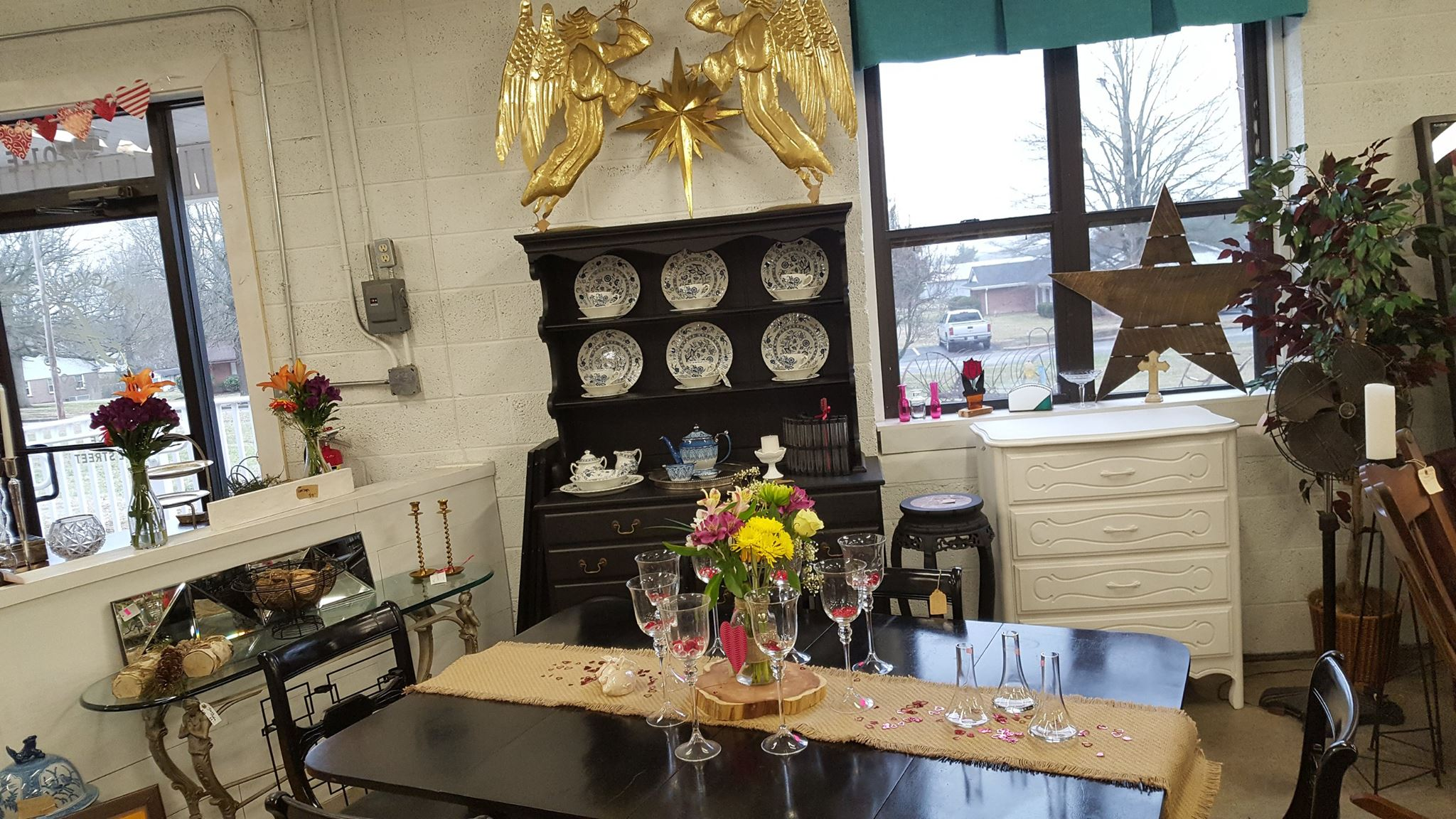 Dining Table Entrance
