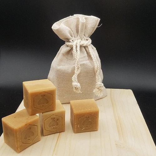 La pouche de petits cubes