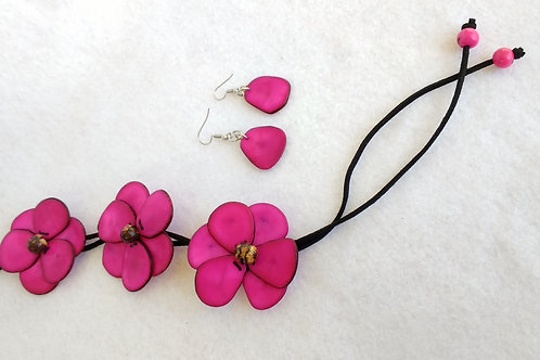Tagua flowers pink