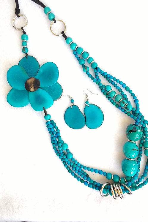 Tagua, Palm and Acai berry Necklace and Earring Set.