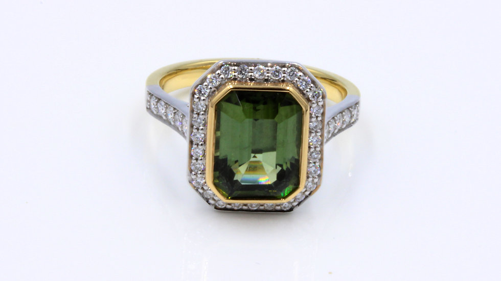 18ct Green Tourmaline Diamond Ring