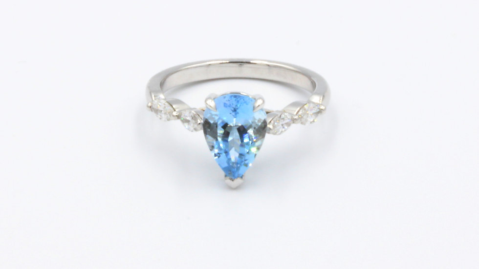 18ct White Gold Aqua Diamond Ring
