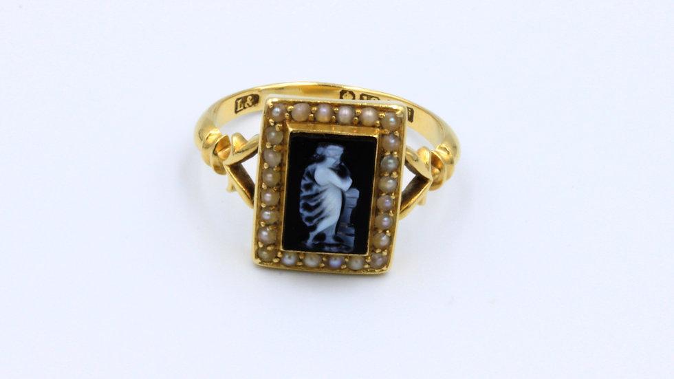 18ct Edwardian Hardstone Cameo Pearl Ring