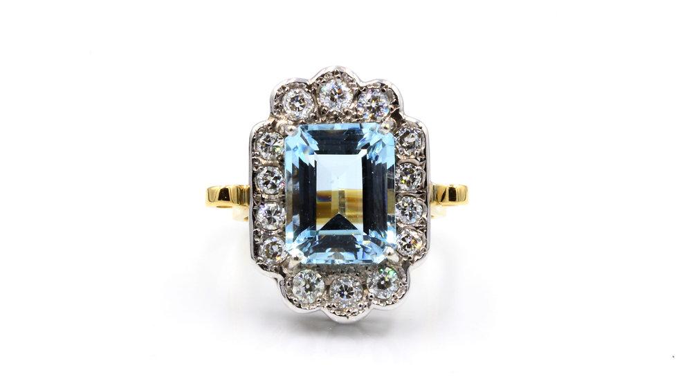 18ct Aquamarine Diamond Whopper!
