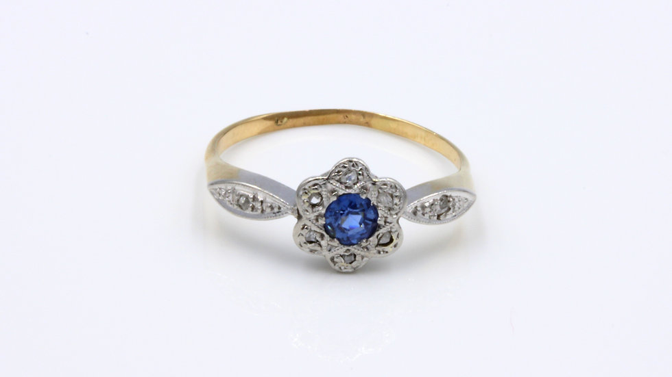 Edwardian 18ct Sapphire Diamond Cluster Ring