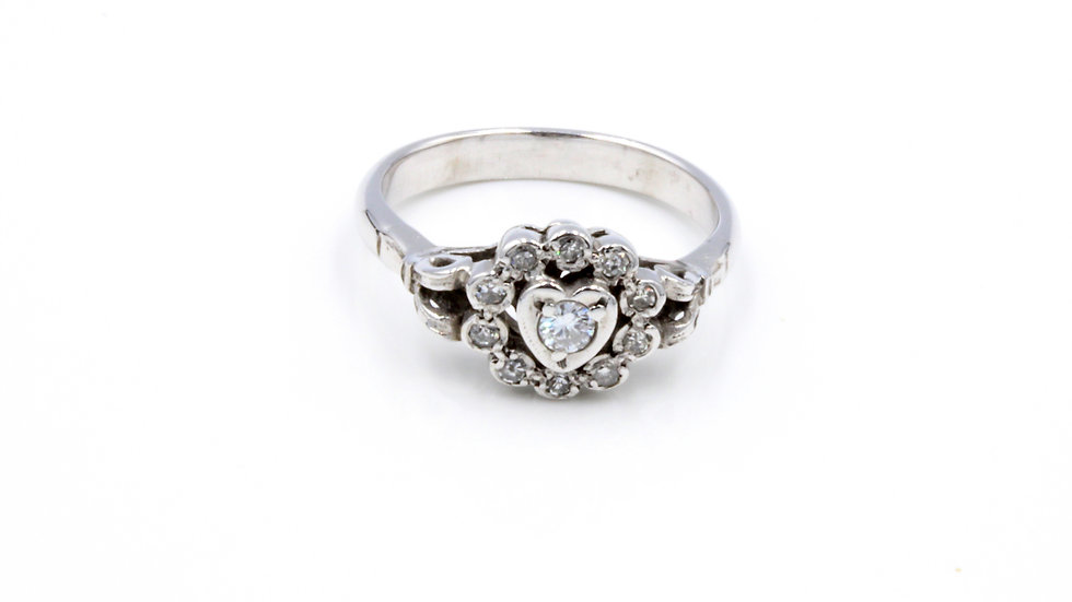 18ct White Gold French Diamond Heart Ring
