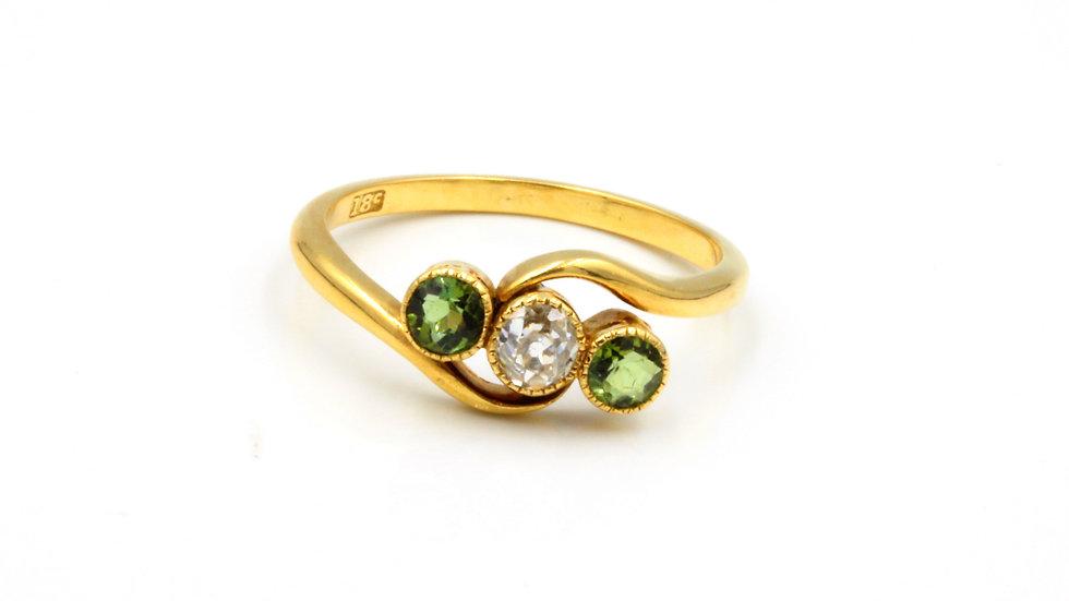 18ct Peridot Diamond Ring