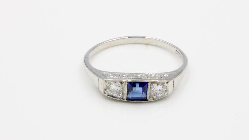 18ct White Gold & Platinum Art Deco Sapphire Diamond Ring