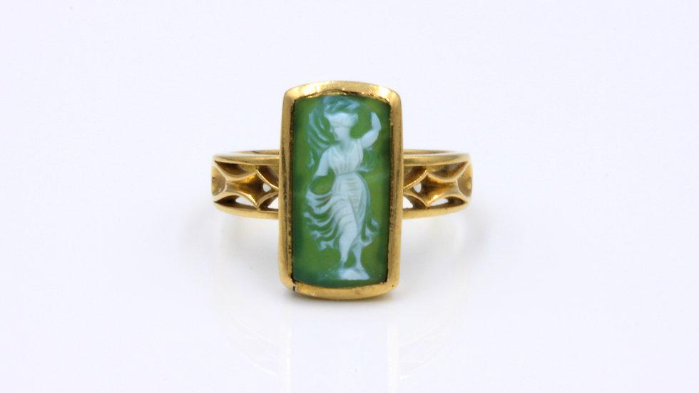 18ct Green Hardstone Cameo Ring