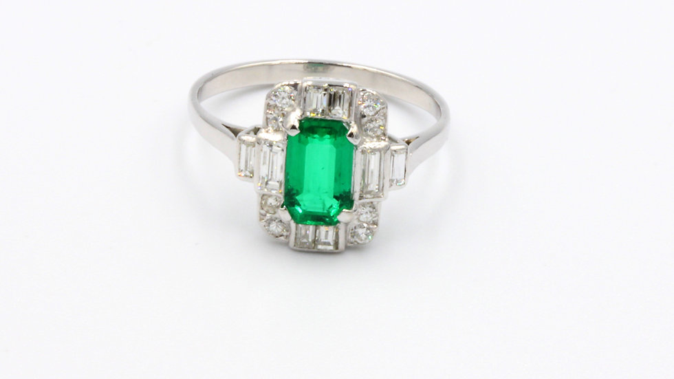 18ct White Gold Emerald Diamond Ring