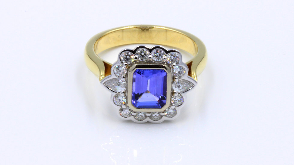 18ct Gold Tanzanite Diamond Cluster Ring