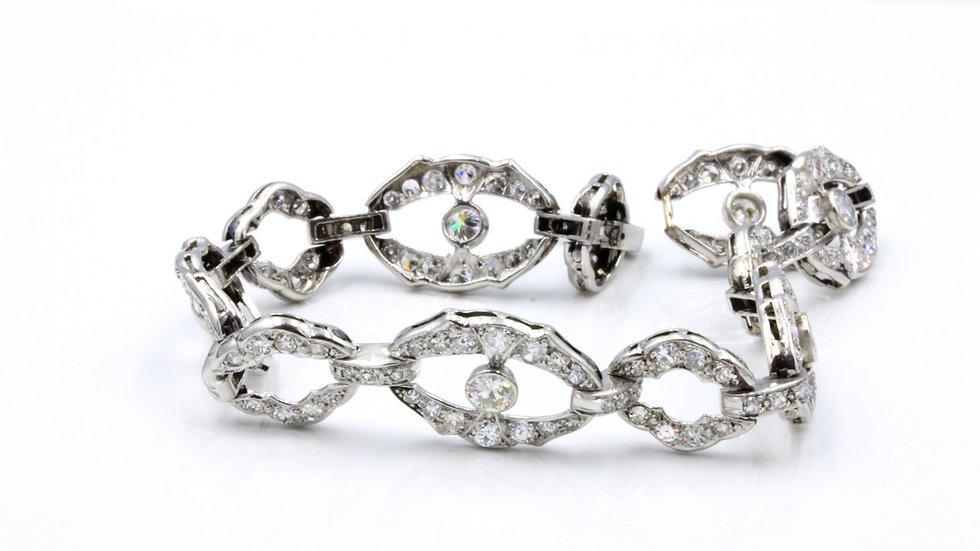 Channel the Great Gatsby! Platinum Art Deco Diamond Bracelet