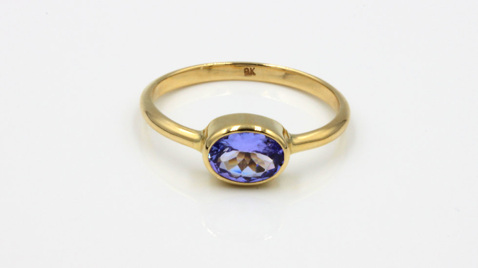 9ct Oval Tanzanite Ring