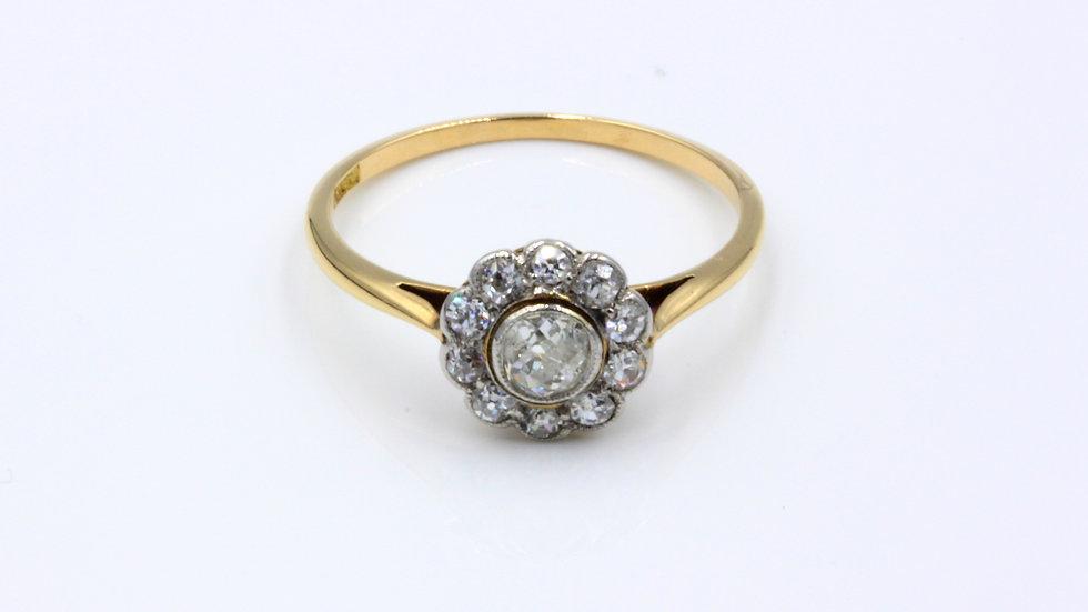 18ct Diamond Daisy Cluster Ring