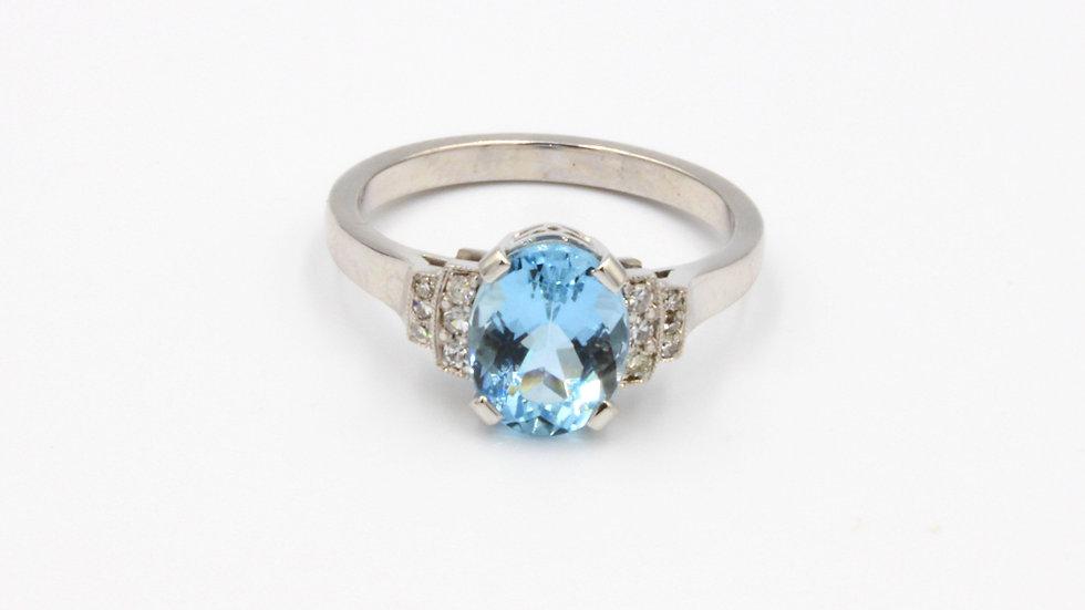 18ct White Gold Aquamarine Diamond Ring