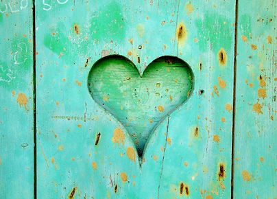 green-wooden-board-with-heart-hole-16171