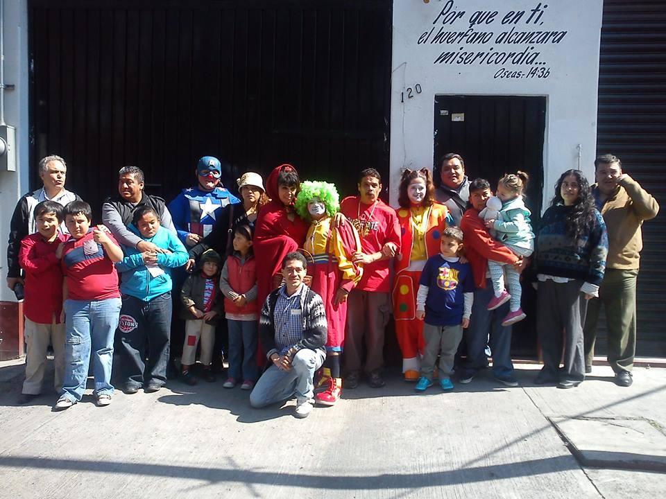 Visitando Orfanatos
