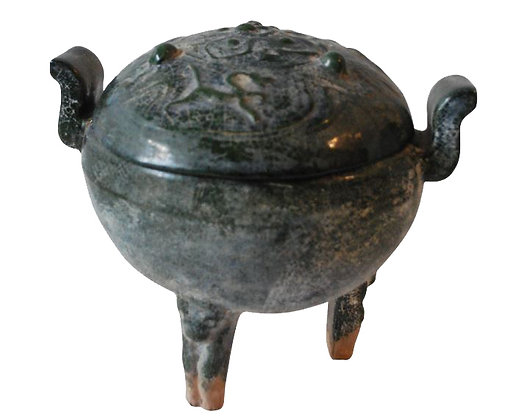 EARLY 20TH CENTURY CHINESE DING RITUAL FOOD VESSEL