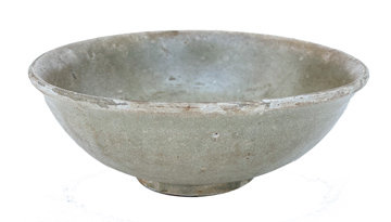 EARLY 18TH CENTURY CERAMIC BOWL FROM CHINA FOUND IN A SHIPWRECK