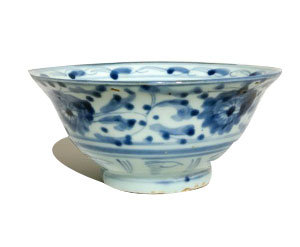 MING DYNASTY BLUE AND WHITE LUNCH BOWLS (PATTERNS VARY)