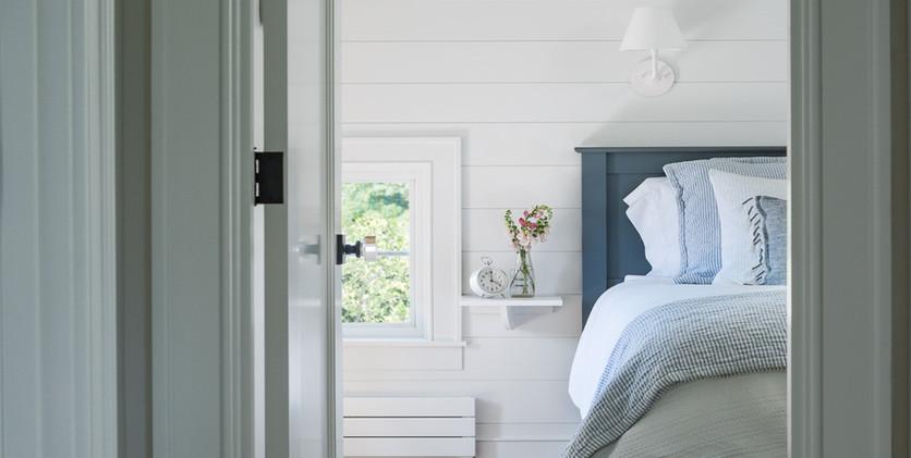 master_bedroom_vignette.jpg