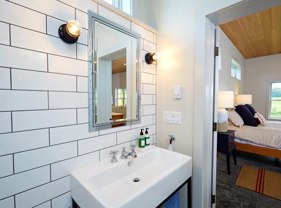 519-House_Bathroom-2.jpg