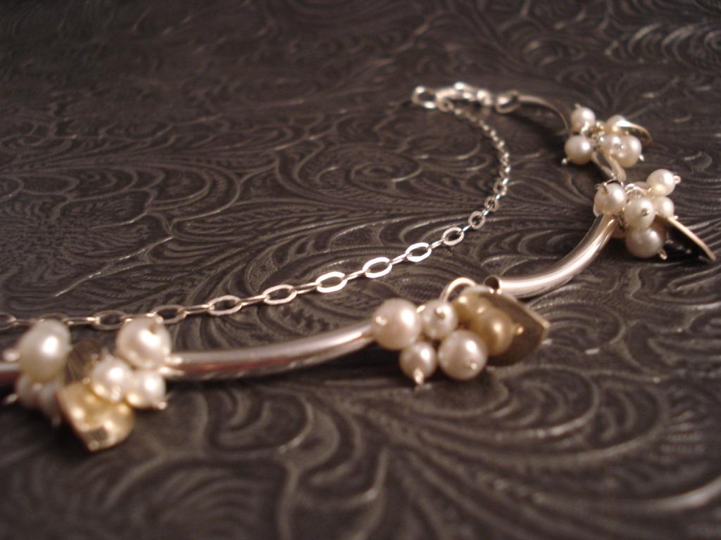 snowberry necklace