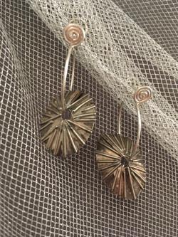 limpit earrings