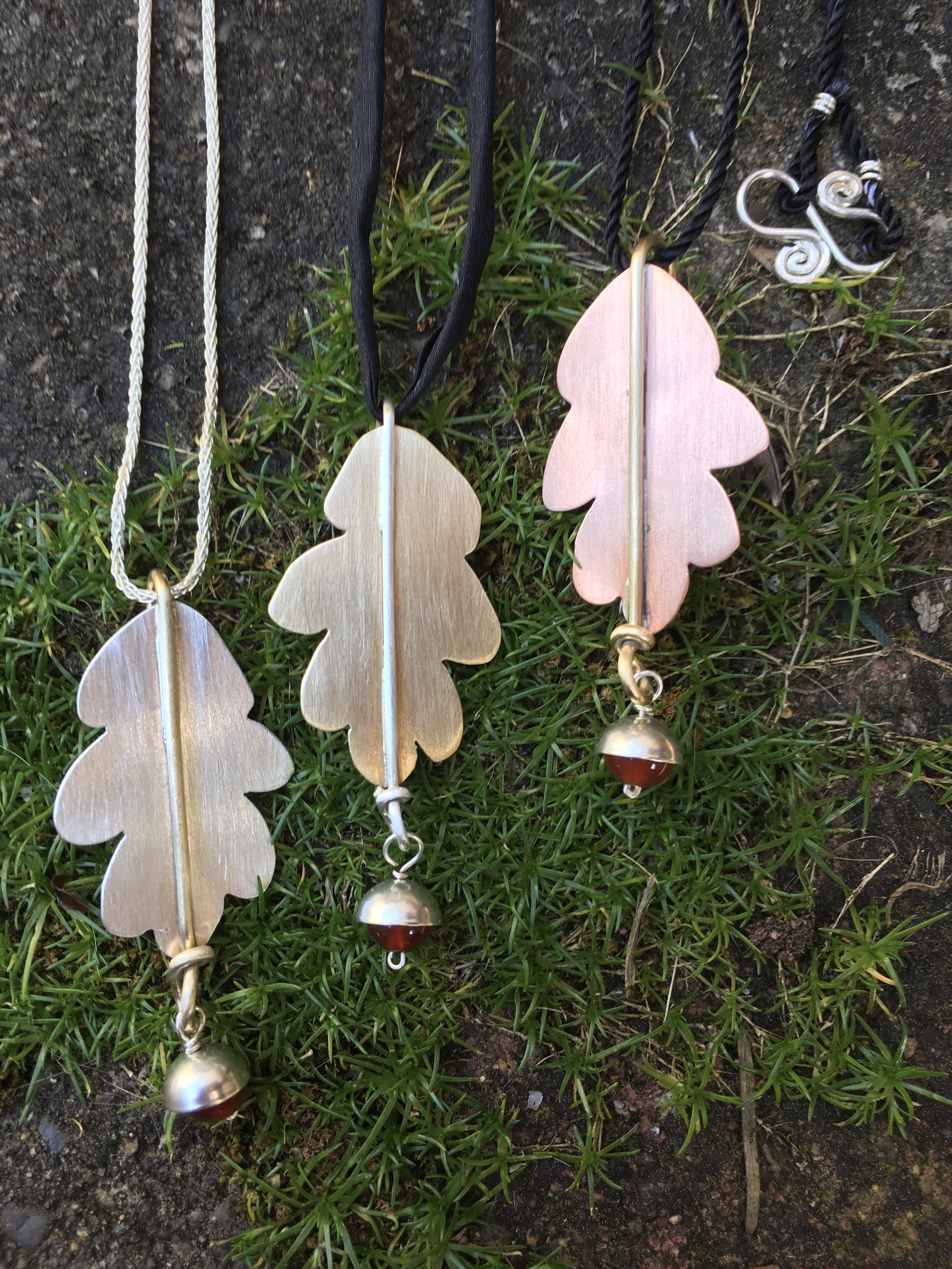 Oak Pendants/Pins