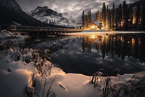 Emerald Lake Lodge at Night