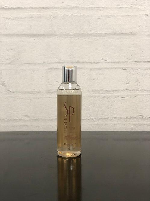 Wella Luxeoil Keratin Protect Shampoo