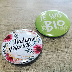 Badge pin, magnet, mirroir, décapsuleur