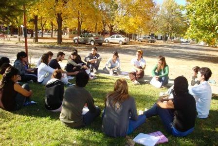 Lanzan encuesta para conocer la percepción de los jóvenes sobre los DDHH