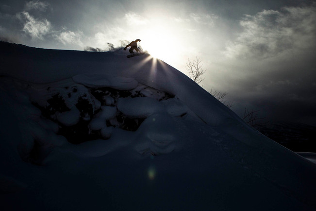 EliasElhardt_Niseko_Japan_JeffBrockmeyer