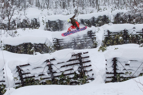 VictorDLR_Niseko_Japan_JeffBrockmeyer_15