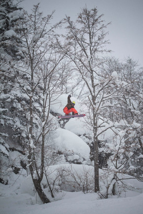 VictorDLR_Niseko_Japan_JeffBrockmeyer_09