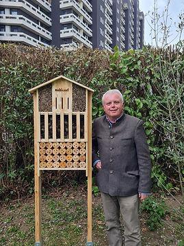 Bienenhotel Weiden.jpg
