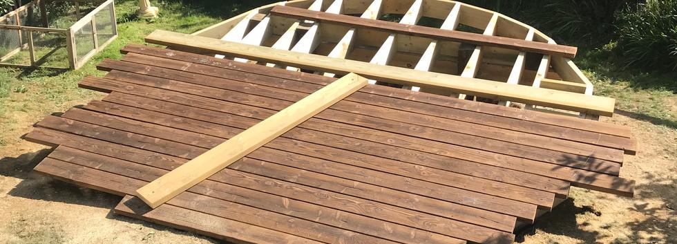 Round decking boards