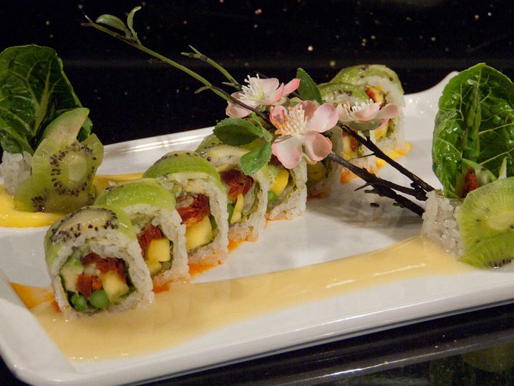 Green Peace Roll
