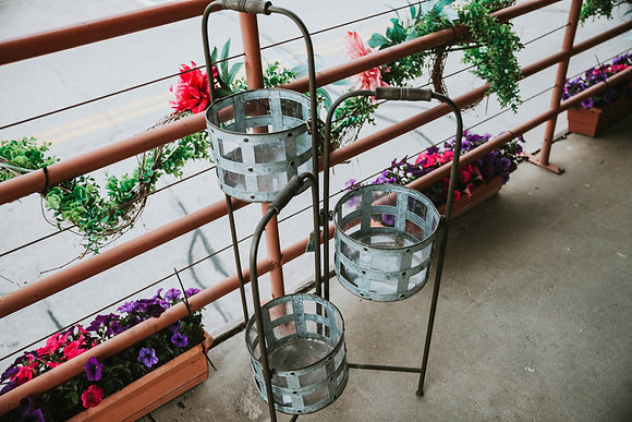 Adjustable 3-Pot Planter