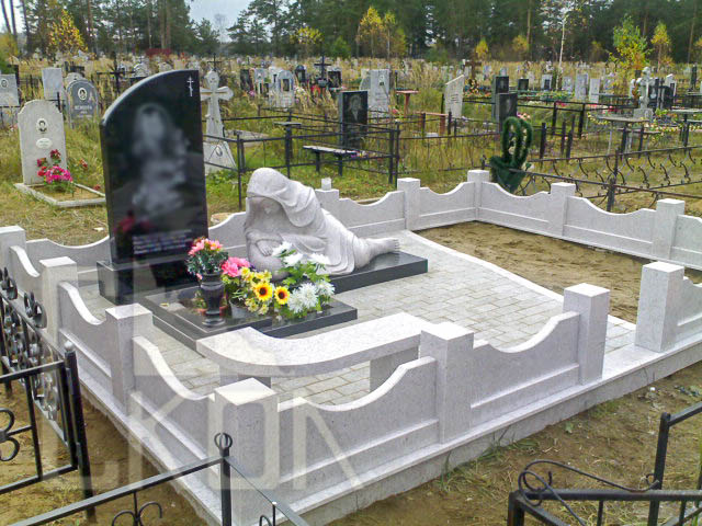 002-memorials