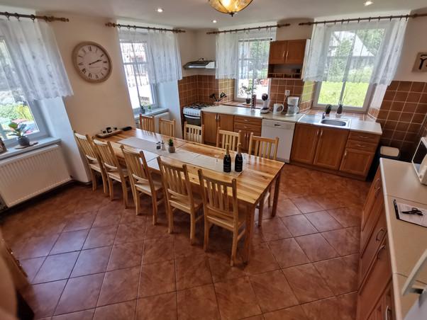 Hlavní kuchyň s jídelnou