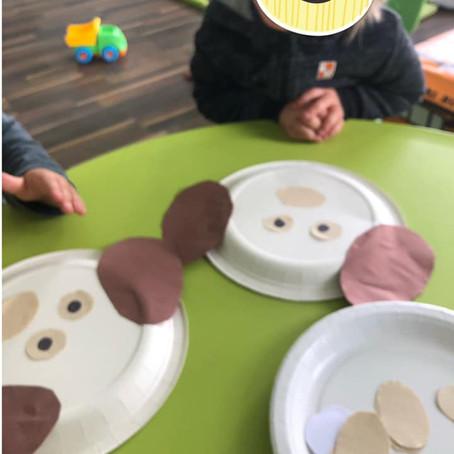 Nasi najmłodsi milusińscy podczas zajęć organizowanych w playgroup.