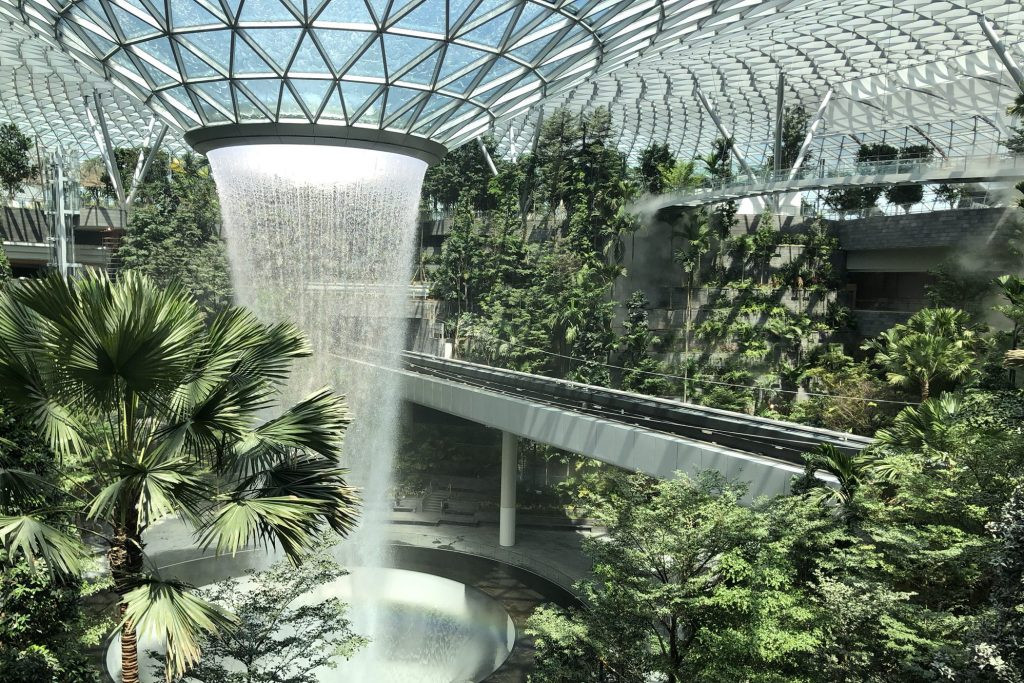 singapore airport 2.jpg
