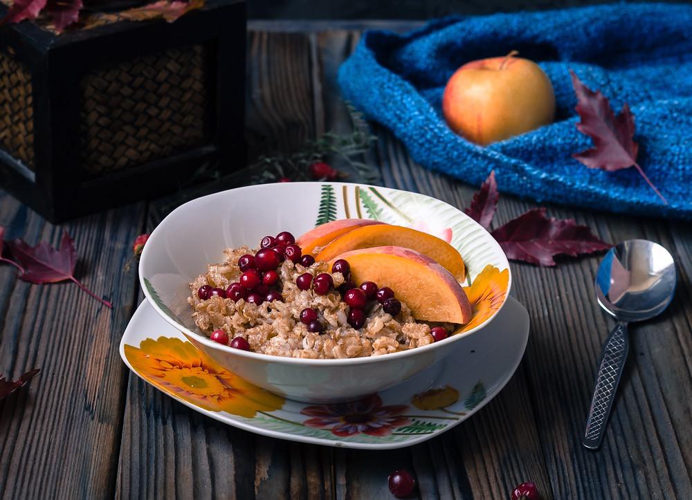 каша с ягодами и фруктами