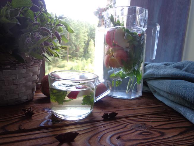 Яблочный детокс-чай с мятой