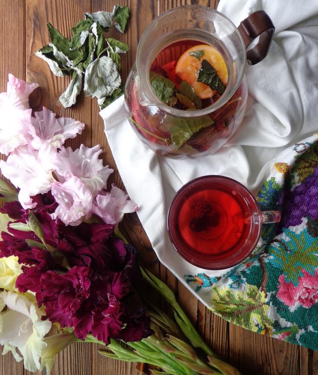 Детокс-чай с ежевикой, малиновым листом и саган-дайля