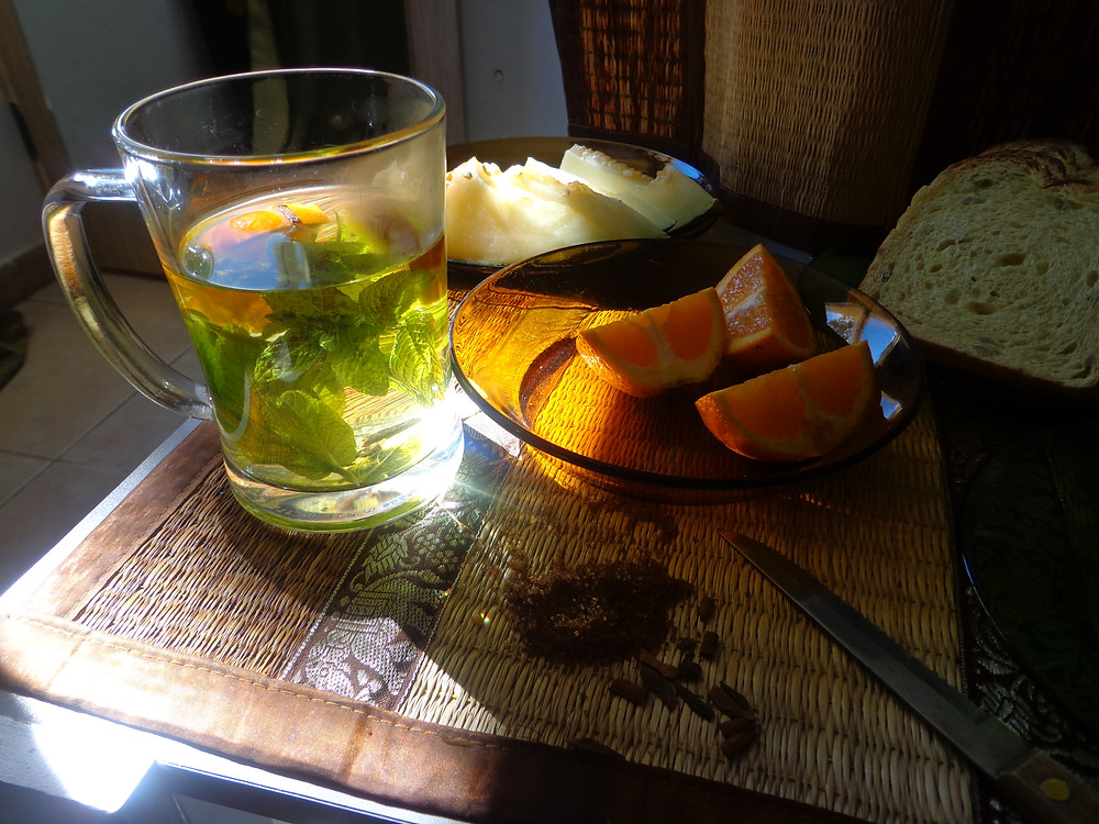 detox tea with fresh mint and melon